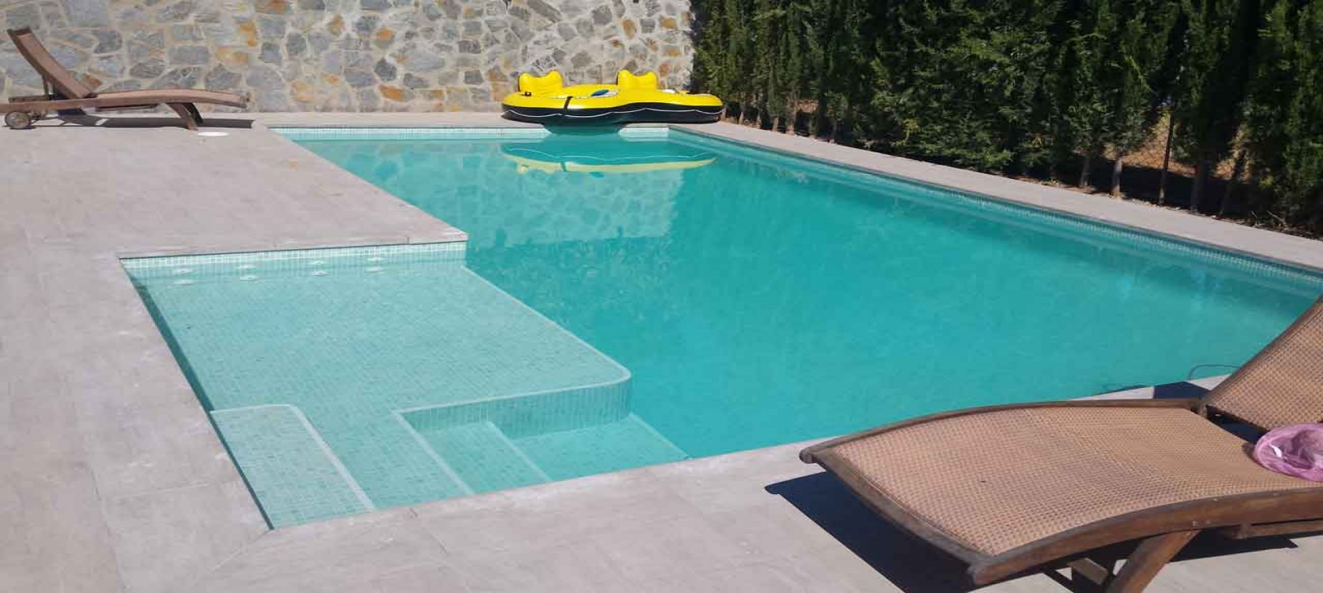 Agua para piscinas en mallorca for Piscinas hormigon proyectado